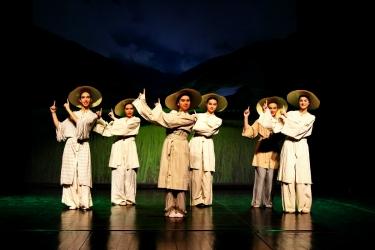Slavuj, plesna predstava 2015
